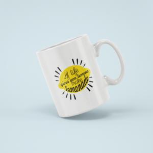 Hrnek s napisem If life gives you lemons make lemonade